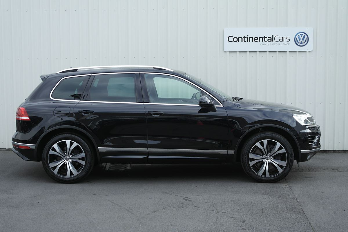 volkswagen touareg v8 tdi r line 2016 used volkswagen new zealand. Black Bedroom Furniture Sets. Home Design Ideas