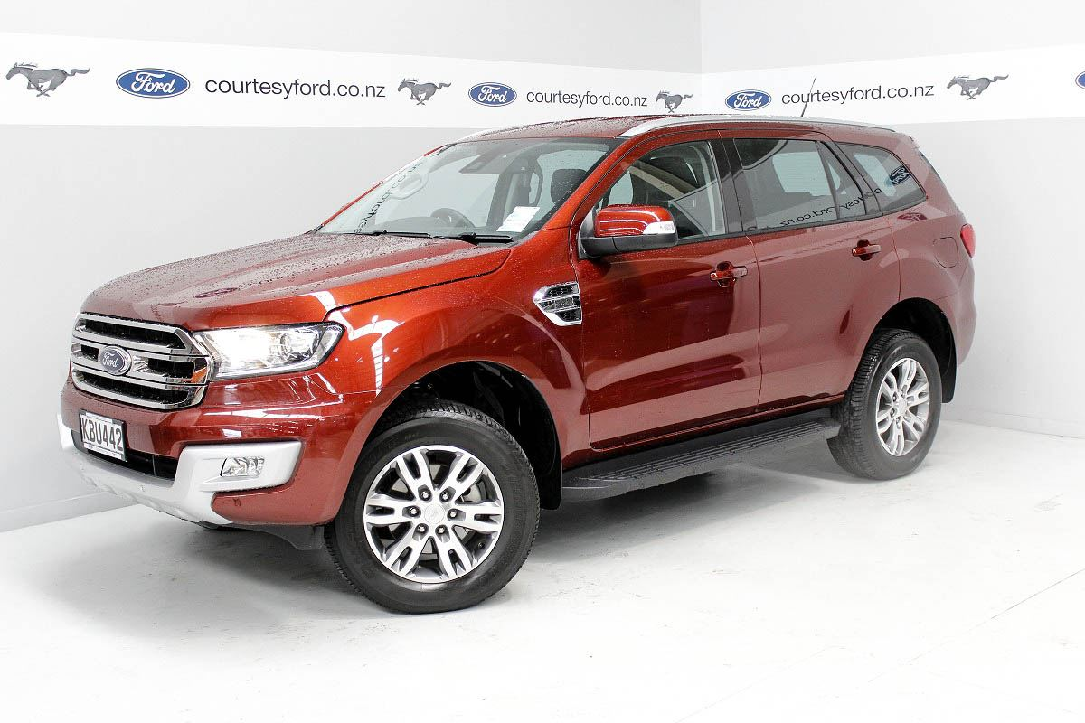 Ford Everest 3 2l Titanium 7 Seater 4x4 2017 Courtesy