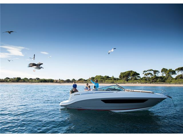 Bayliner 842 Cuddy Overnighter 2020 - Lakeland Marine Services Lake