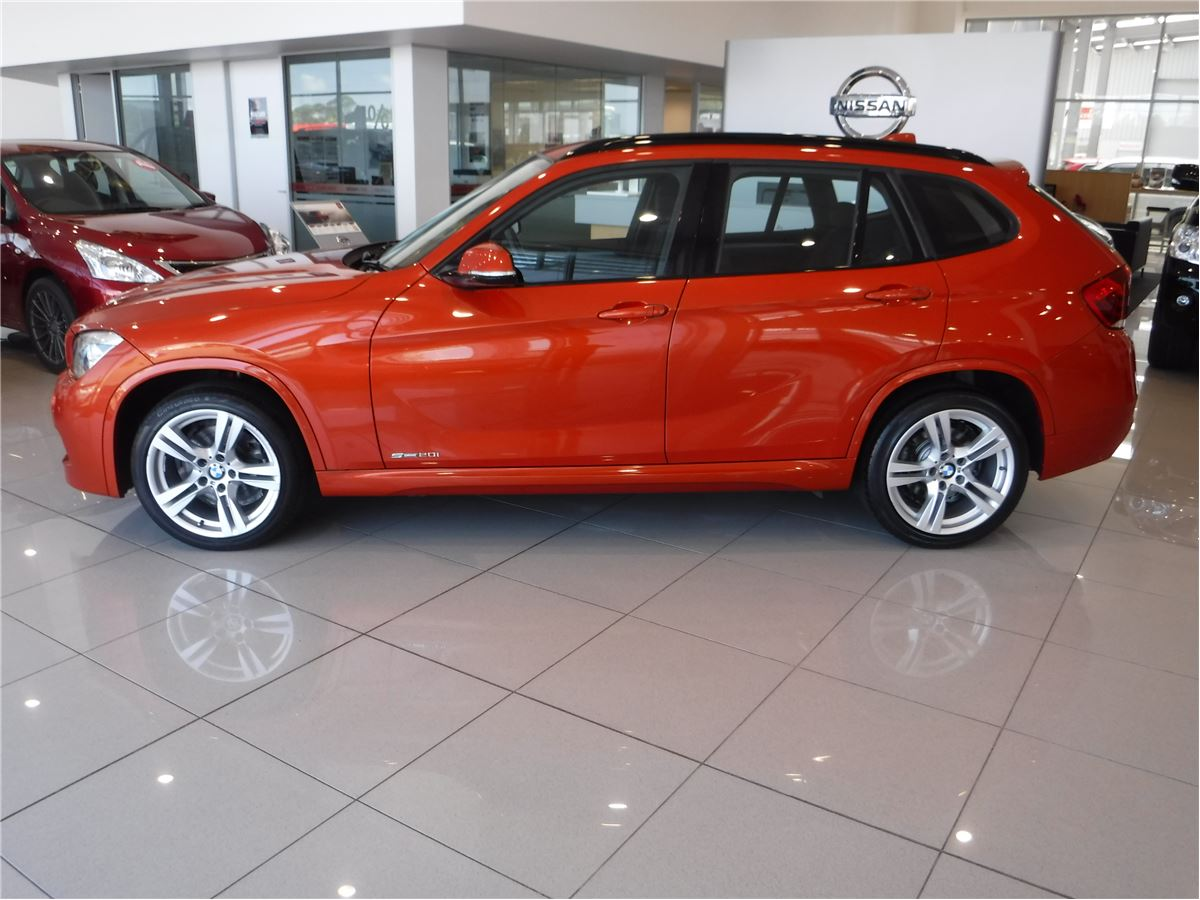bmw x1 sdrive 20i includes 3 year ahg warranty 2013. Black Bedroom Furniture Sets. Home Design Ideas