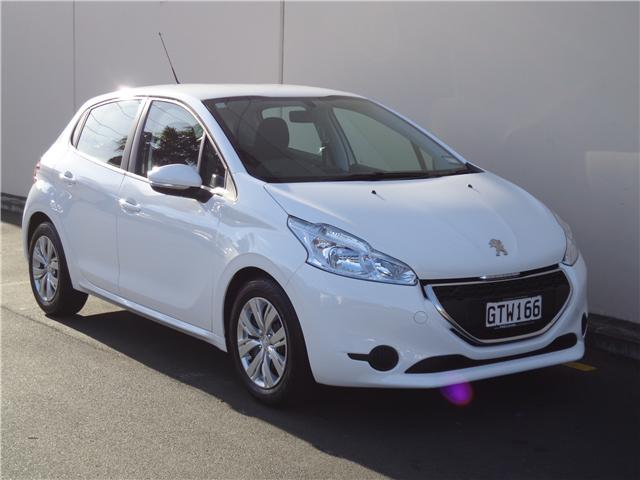 peugeot 208 active 1 6 auto 2013 used peugeot new zealand. Black Bedroom Furniture Sets. Home Design Ideas