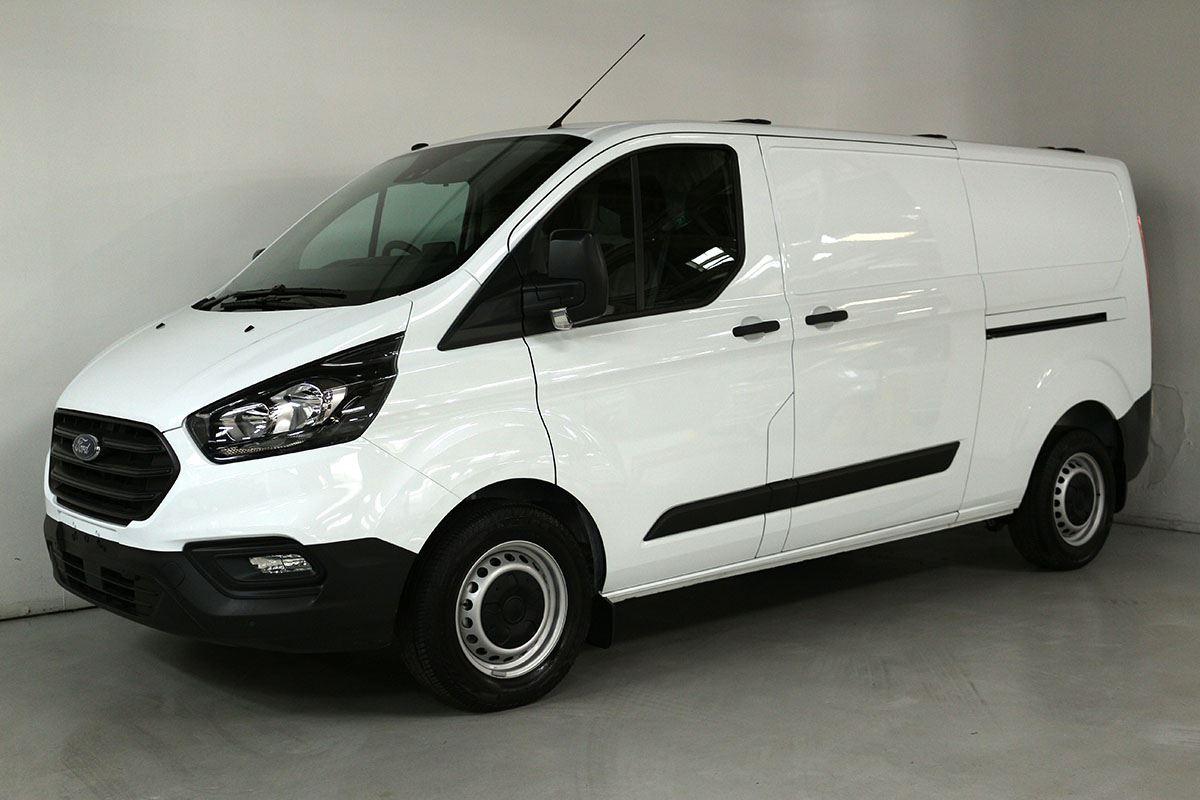 team hutchinson ford ford transit  custom swb  auto